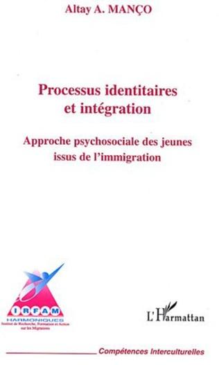 Couverture Processus identitaires et intégration