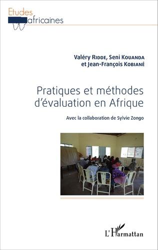 Couverture Pratiques et méthodes d'évaluation en Afrique