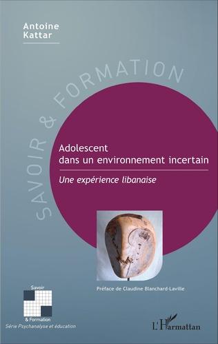 Couverture Adolescent dans un environnement incertain