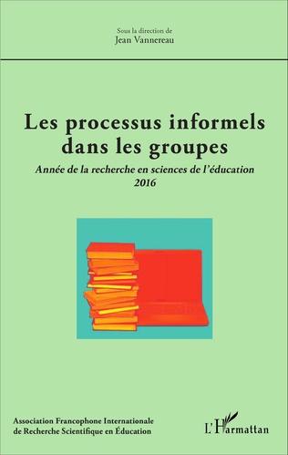 Couverture Les processus informels dans les groupes