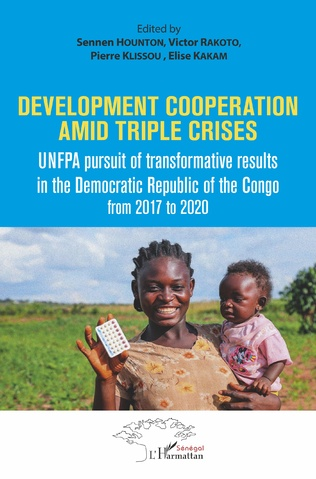Couverture Development cooperation amid triple crises